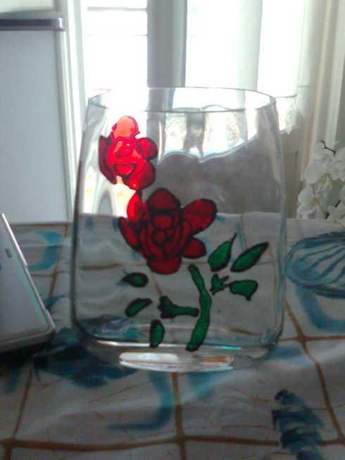 vaso con rose per poutpourri alla rosa